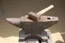 anvil with hammer